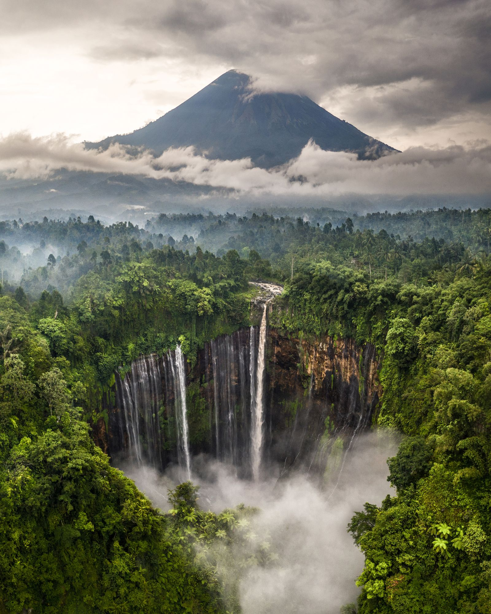 Tumpack Sewu Waterfall